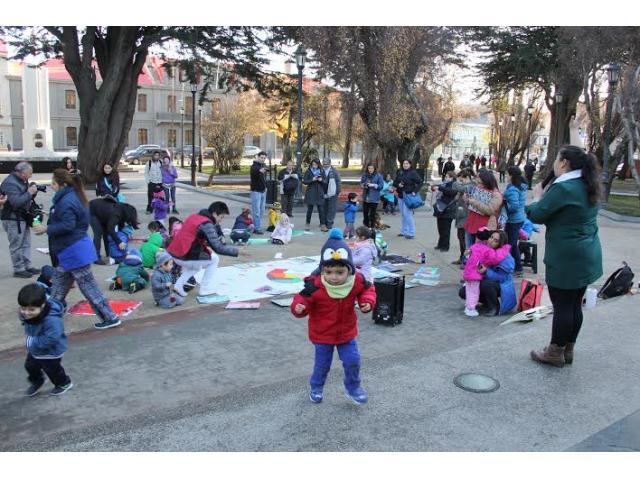 Ni os del jard n infantil continente blanco de junji for Postulacion jardin junji 2016